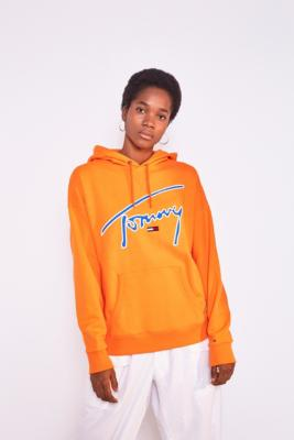 Tommy Jeans Tommy Jeans Signature Hoodie Sweatshirt Pink L at Urban Outfitters from Urban Outfitters (US) | People