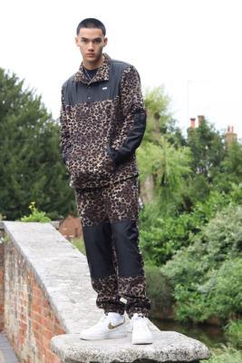 Vans Leopard Print Fleece Anarak Jacket - Assorted L at Urban Outfitters