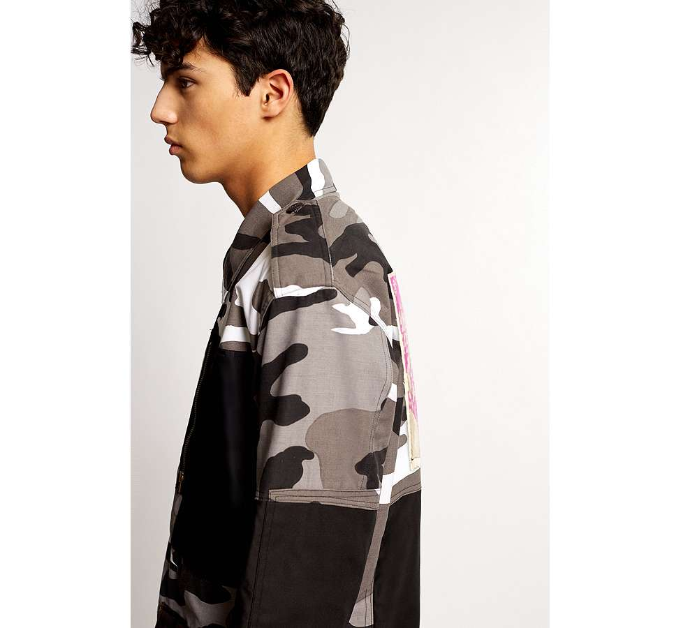 Slide View: 4: Liam Hodges X UO – Jacke in Camouflage in Grau