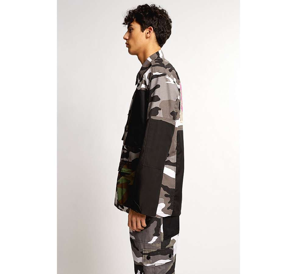 Slide View: 5: Liam Hodges X UO – Jacke in Camouflage in Grau