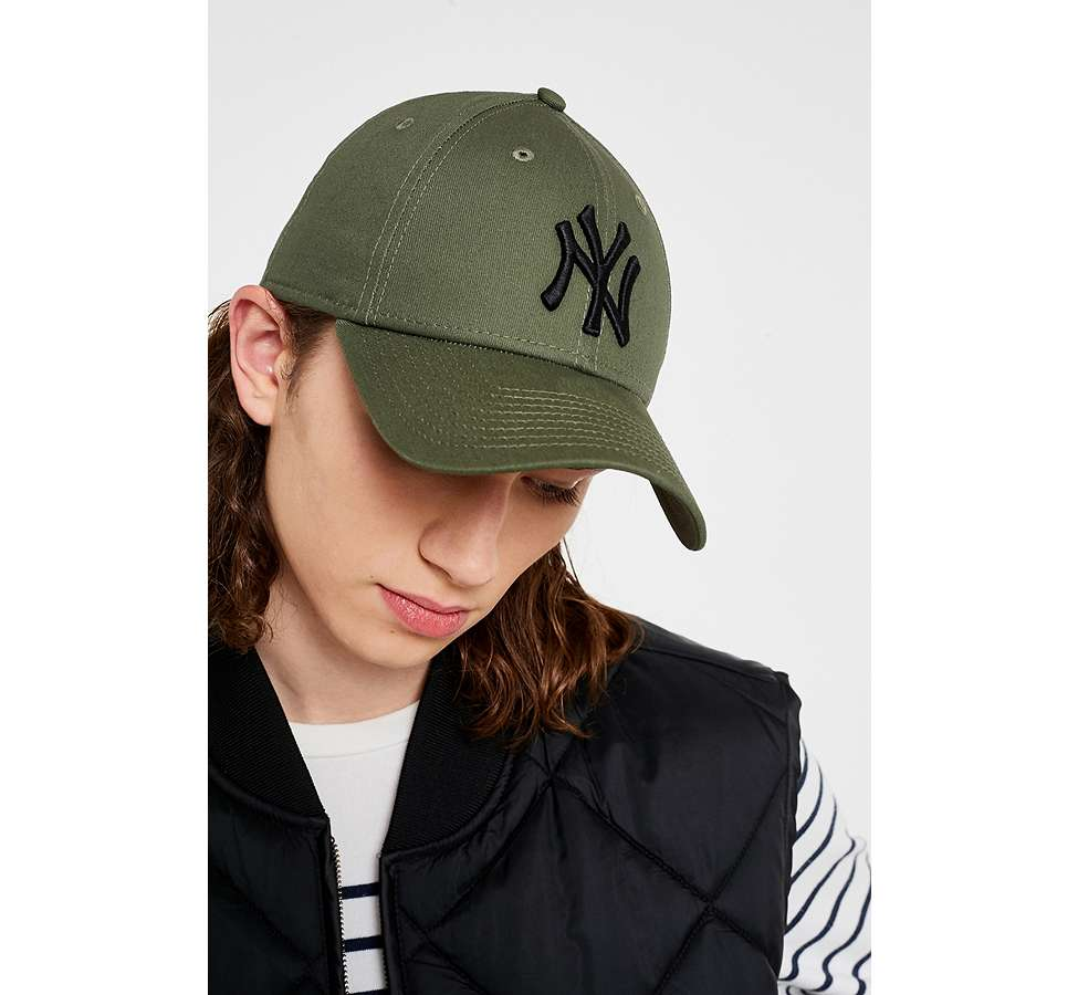 Slide View: 1: New Era 9FORTY NY Yankees Cap