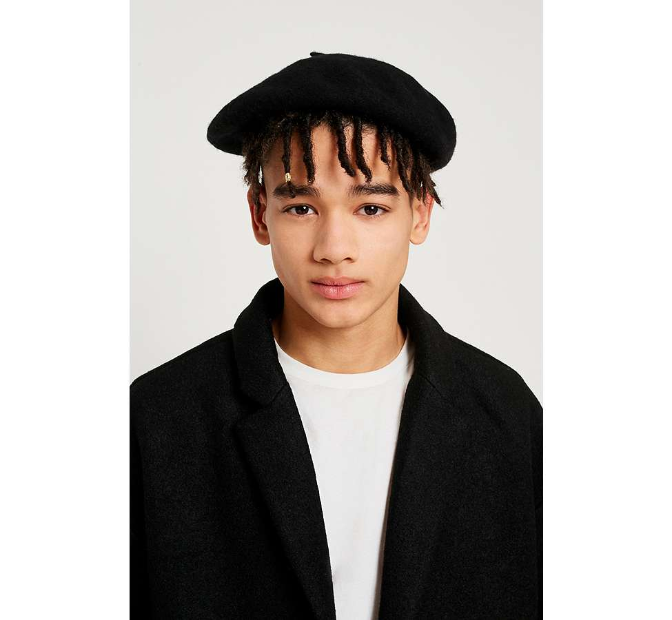 Slide View: 1: UO Black Beret