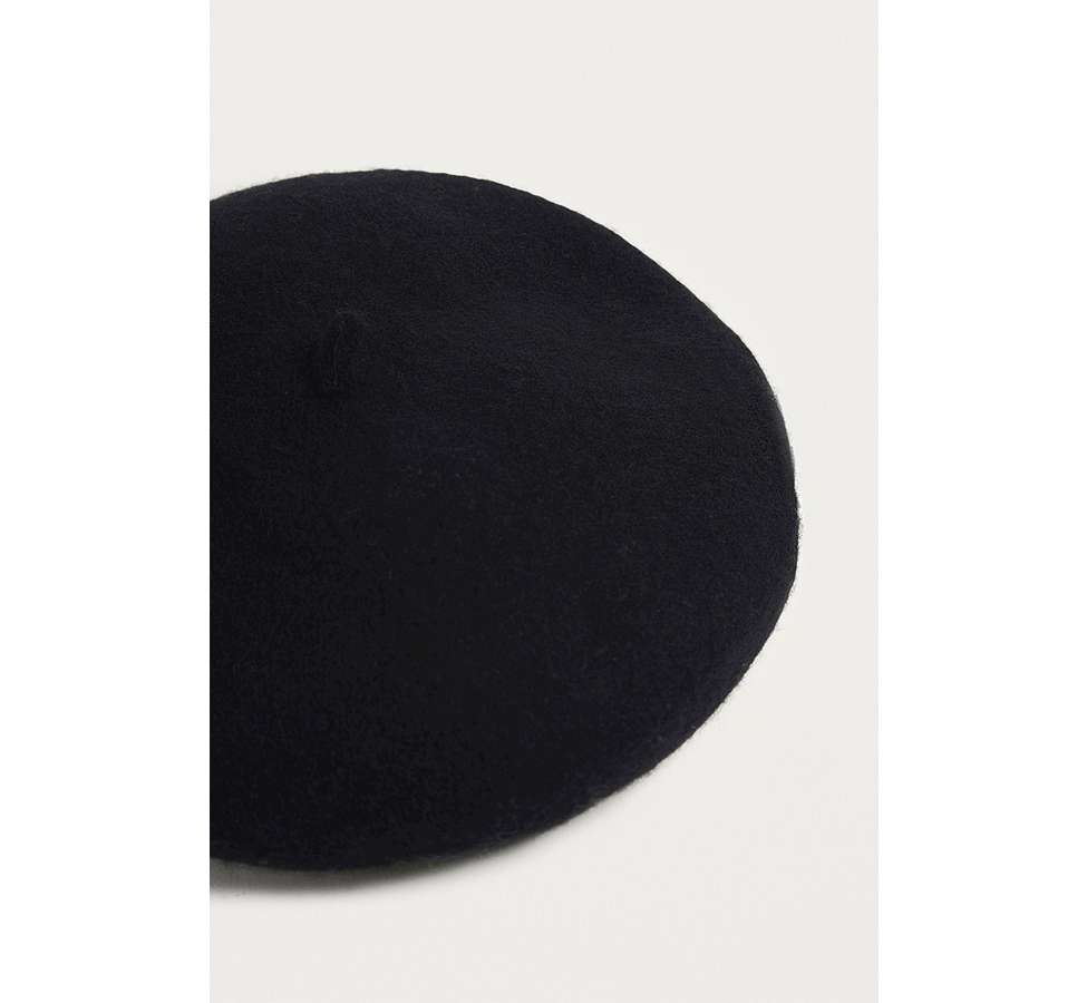 Slide View: 3: UO Black Beret