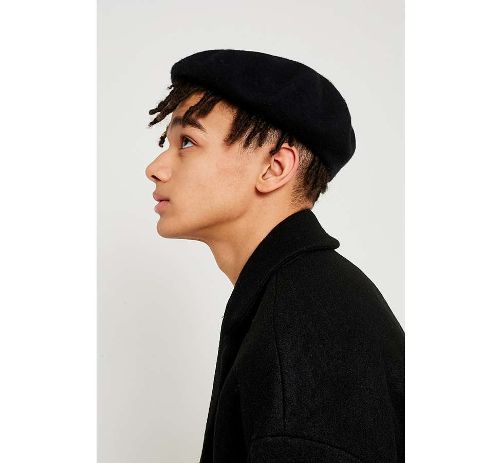 Slide View: 4: UO Black Beret