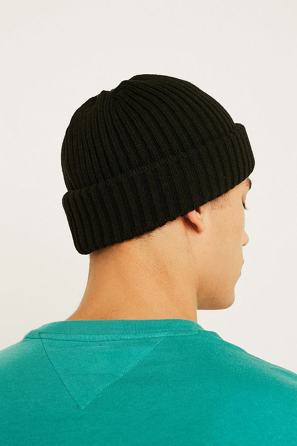 Slide View  5  UO Black Ribbed Beanie 409de35fb5b