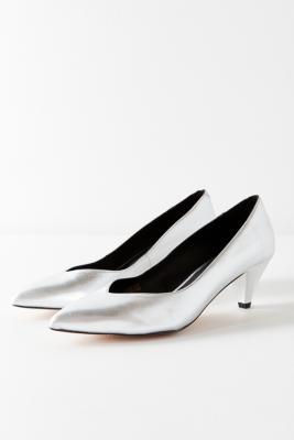 Urban Outfitters - Court Kitten Heels, silver