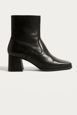 Urban Outfitters - Blake Leather Square Toe Boots, Black