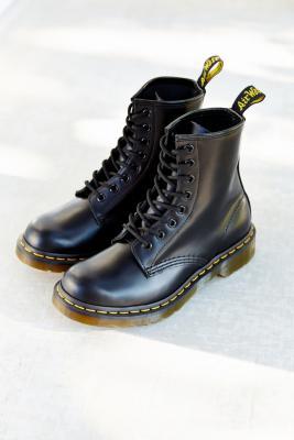 Dr Martens - Dr. Martens Smooth 8-Eyelet Boots, black