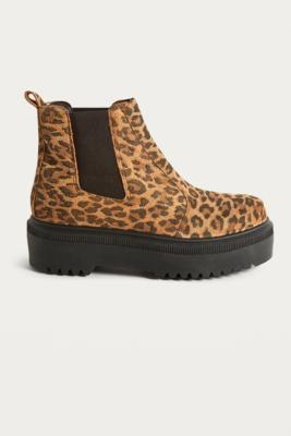 UO Brody Leopard Print Platform Chelsea Boots - Womens UK 6