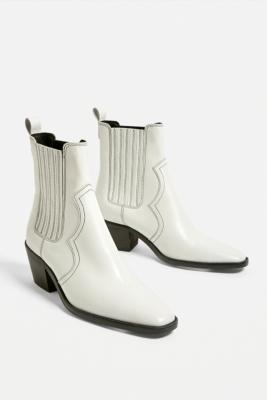 UO Billie Leather Western Boots - White UK 6 at Urban Outfitters