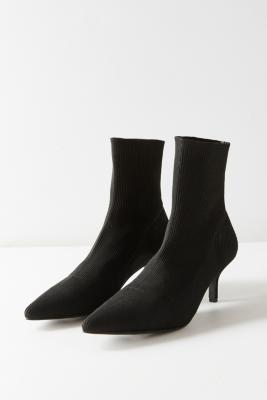Urban Outfitters - Gwen Stretch Glove Boots, black