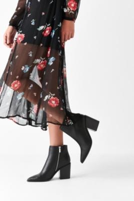 Urban Outfitters - Nori Pointy-Toe Ankle Boot, Black