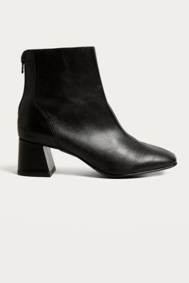 Urban Outfitters - Bianca Heeled Leather Boots, Black