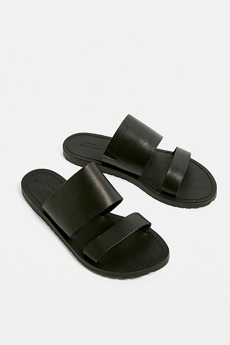 UO Amber Two-Strap Leather Sandals 61e616a9c