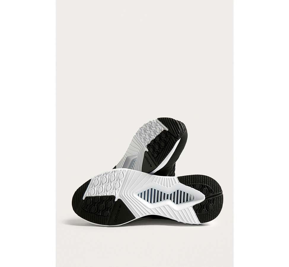 Slide View: 5: adidas Originals - Baskets Climacool 02/17 noires/blanches