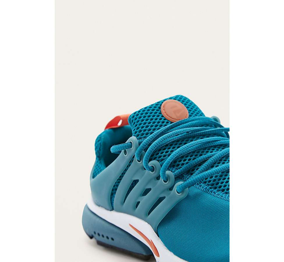 Slide View: 2: Nike Air Presto Essential Trainers