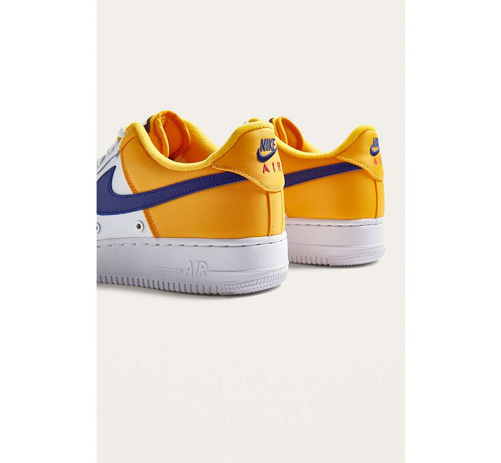 "Slide View: 4: Nike – Sneaker ""Air Force 1 '07 LV8"""
