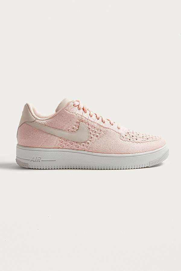 Nike Air Force Entrenadores 1 Ultra Flyknit Bajo Entrenadores Force Urban Outfitters 74bcd1