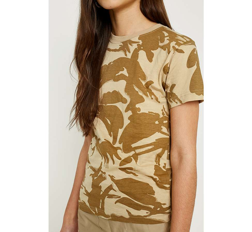 "Slide View: 2: Urban Renewal Vintage Surplus – T-Shirt ""British"" in Desert-Camouflage"