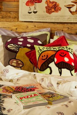 Coussin champignon - Urban Outfitters - Modalova