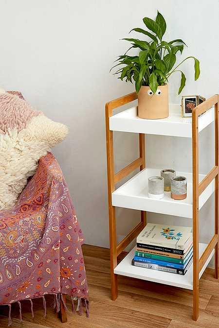 Möbel | Regale, Tische, Stühle, Sofas & Betten | Urban Outfitters