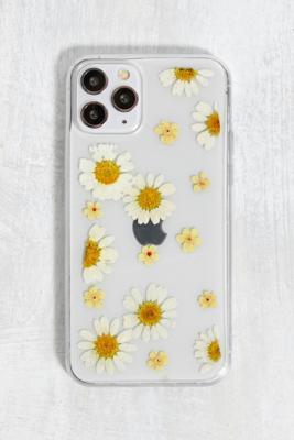 Coque pour iPhone\u00a011 Plus avec marguerites séchées - Urban Outfitters - Modalova