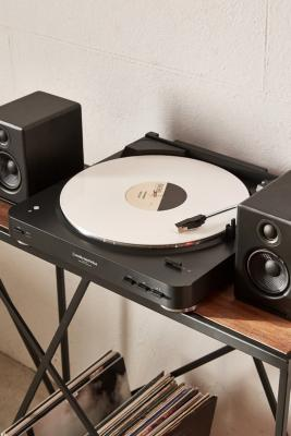 audio technica bluetooth black at lp60 vinyl record player urban outfitters. Black Bedroom Furniture Sets. Home Design Ideas