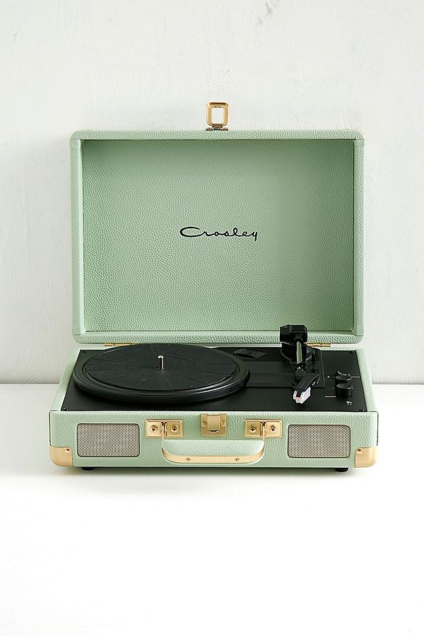crosley cruiser mint and gold bluetooth vinyl record player urban outfitters uk. Black Bedroom Furniture Sets. Home Design Ideas