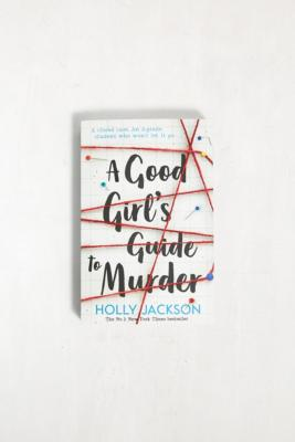 A Good Girl's Guide To Murder par Holly Jackson - Urban Outfitters - Modalova