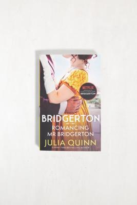 Romancing Mr Bridgerton: Bridgerton Book 4 par Julia Quinn - Urban Outfitters - Modalova