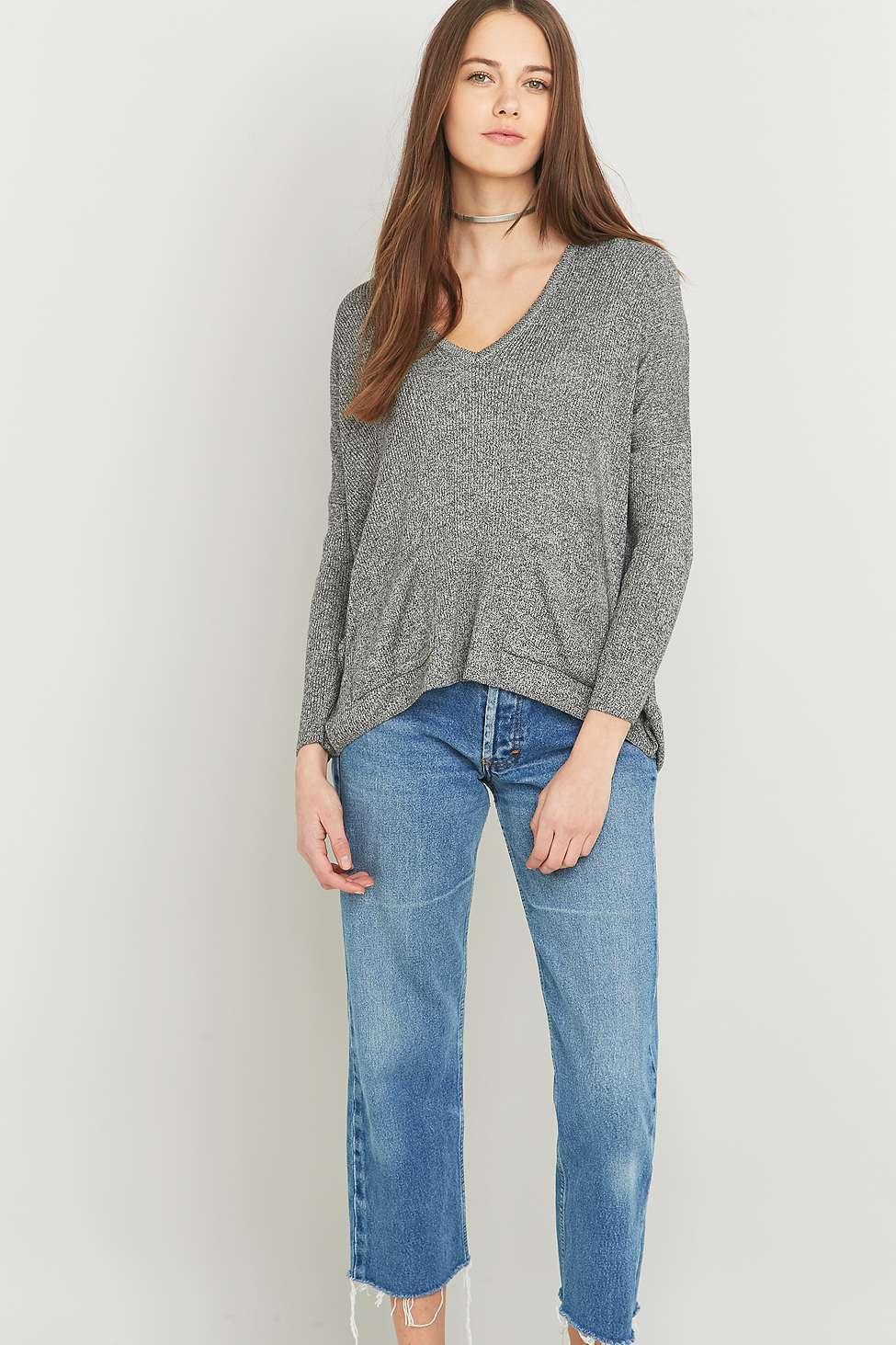 """BDG – Pullover """"Mia"""" in Grau mit Taschen 55 €"""