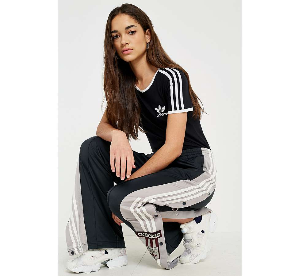 Slide View: 1: adidas Originals - T-shirt noir Sandra à 3 bandes