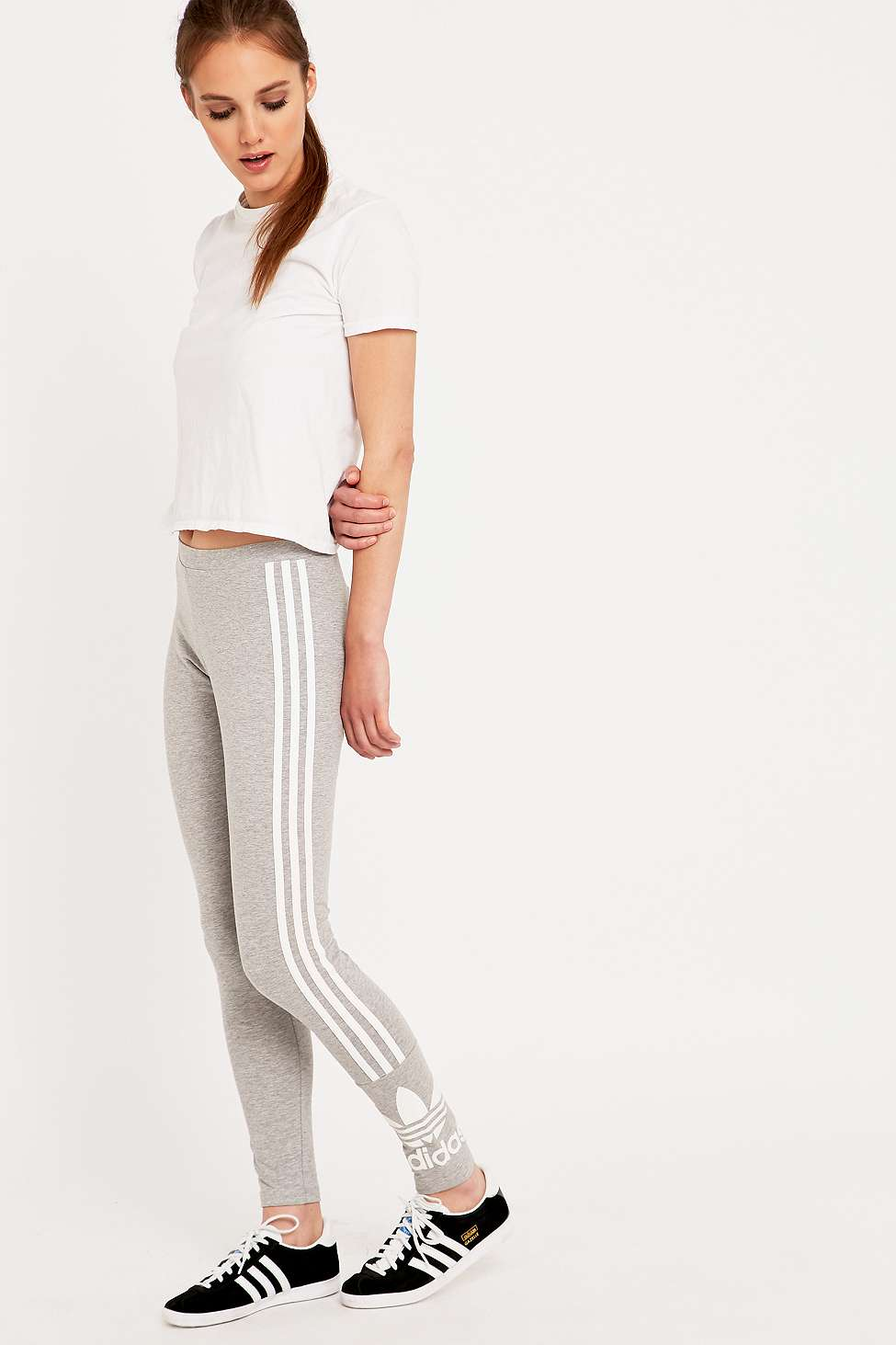 Adidas Originals tres Stripe leggings grises Urban Outfitters