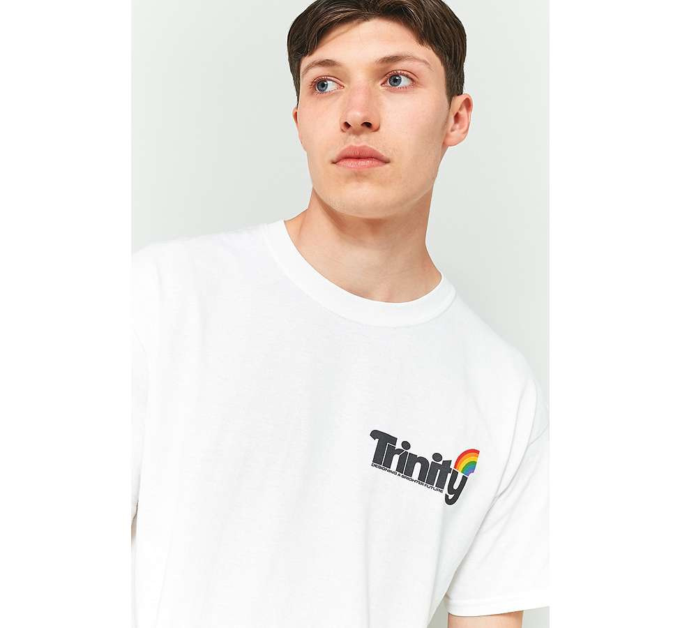 "Slide View: 6: Urban Outfitters – T-Shirt ""Trinity"""