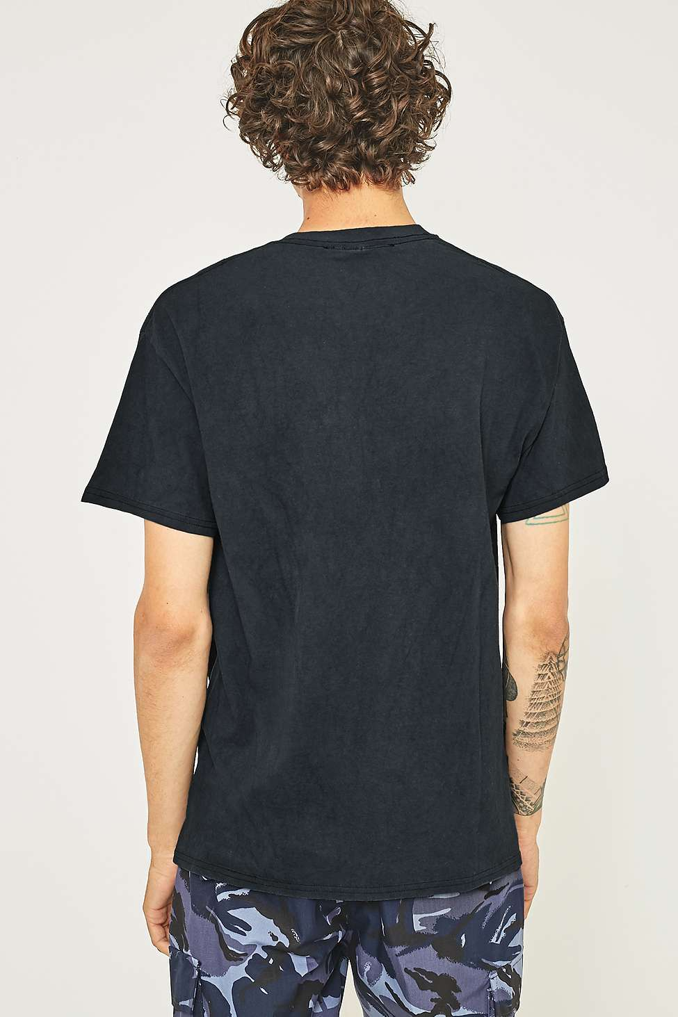UO Oversized Washed Black T-shirt | Urban Outfitters