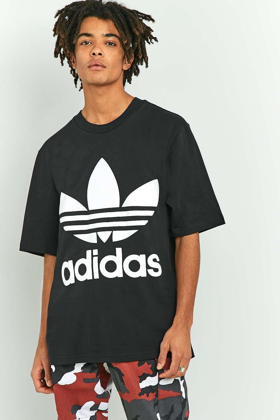 adidas adicolor nero quella t - shirt urban outfitters