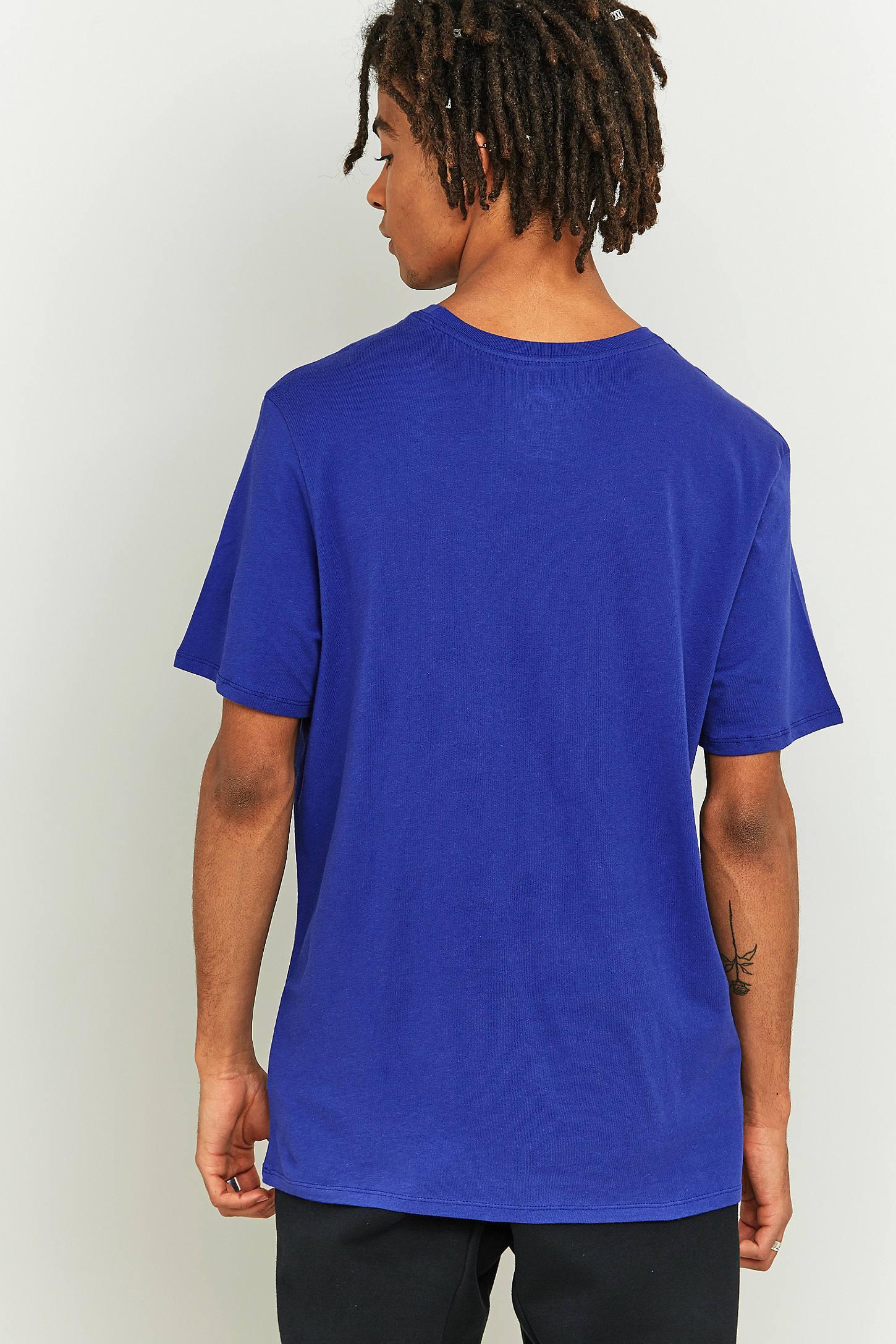 Slide View: 4: Nike T shirt sportswear avec logo virgule en diagonale