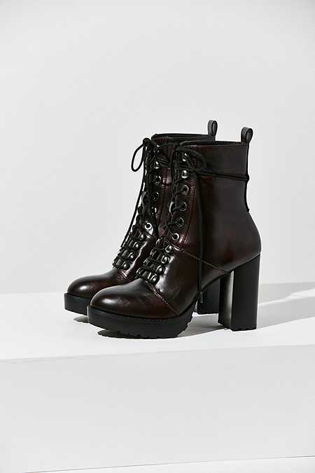 Women's Boots   Ankle, Laced Up & Chelsea Boots   Urban Outfitters