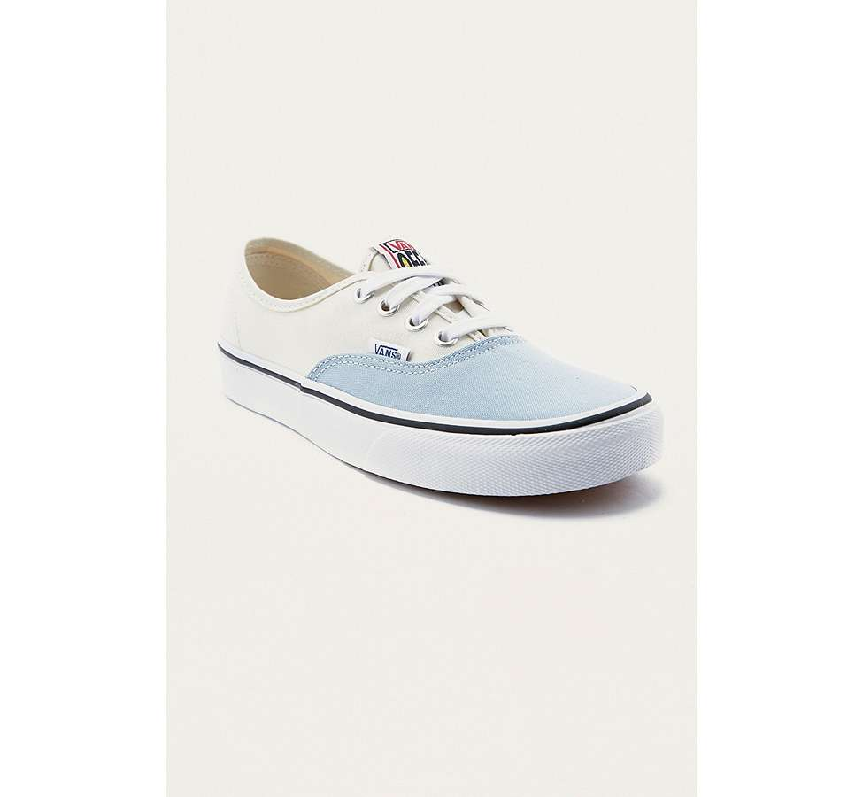 Slide View: 2: Vans & UO - Baskets Authentic style color block