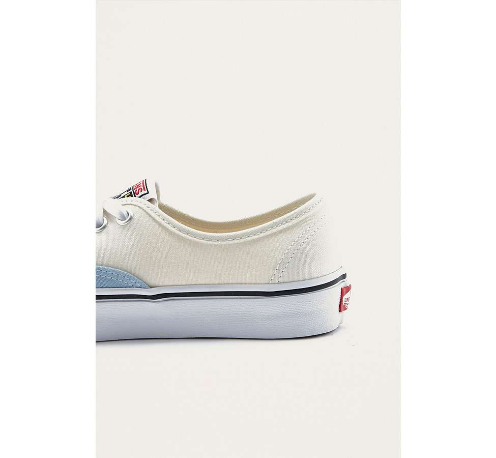 Slide View: 4: Vans & UO - Baskets Authentic style color block