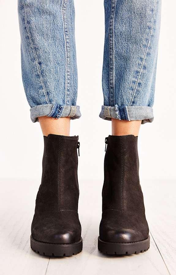 Vagabond Grace Black Nubuck Chelsea Ankle Boots Urban