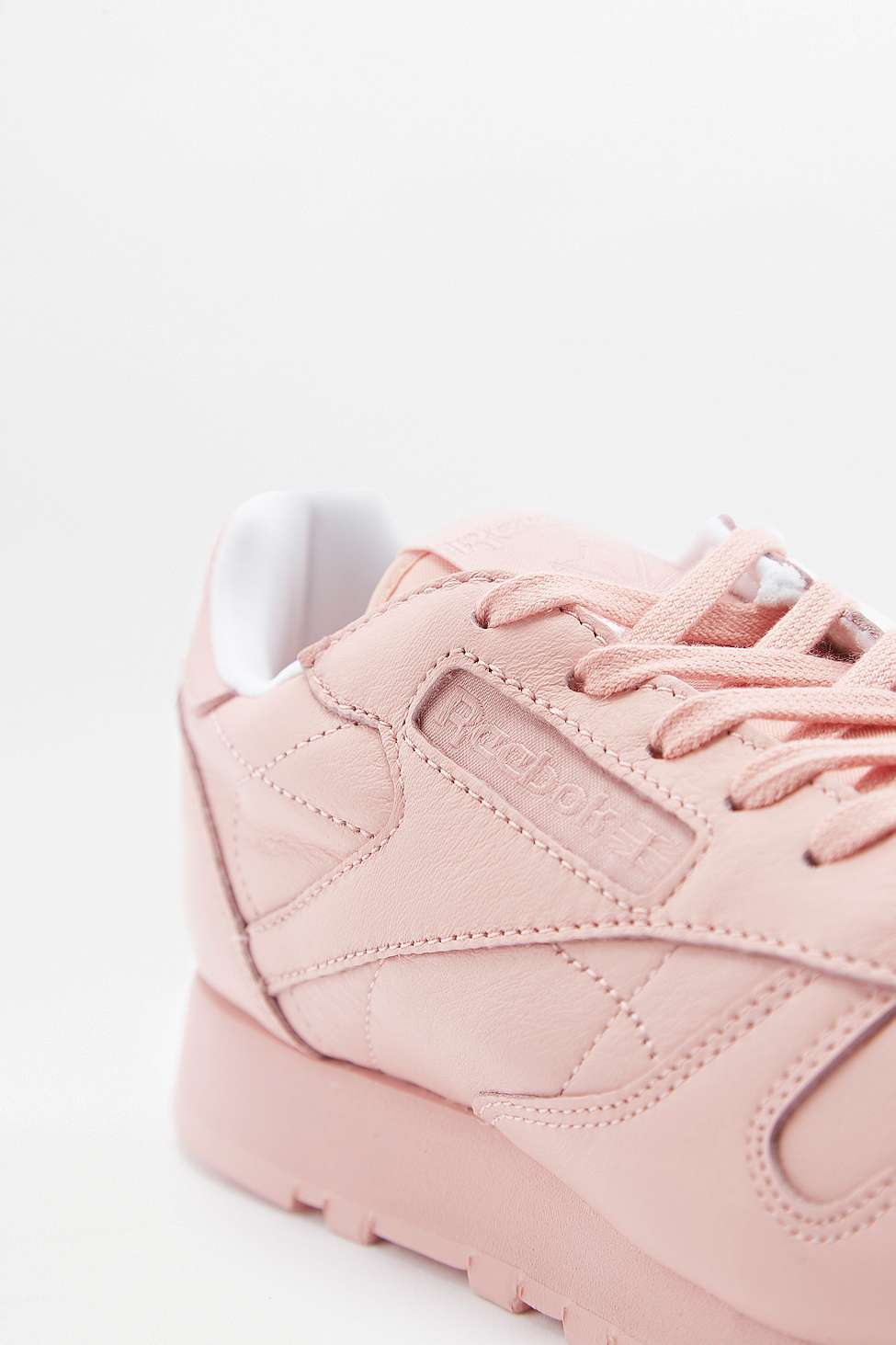 reebok classic leather trainers pink