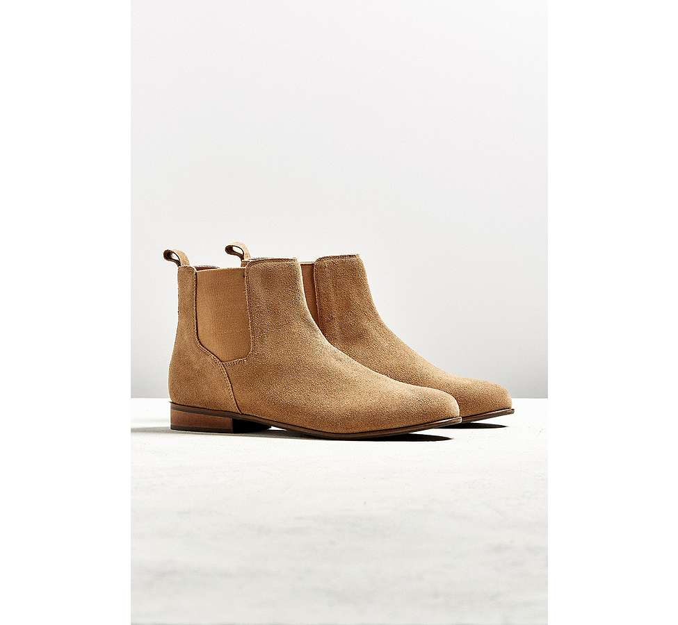 Slide View: 1: UO - Bottines Chelsea en daim marron clair