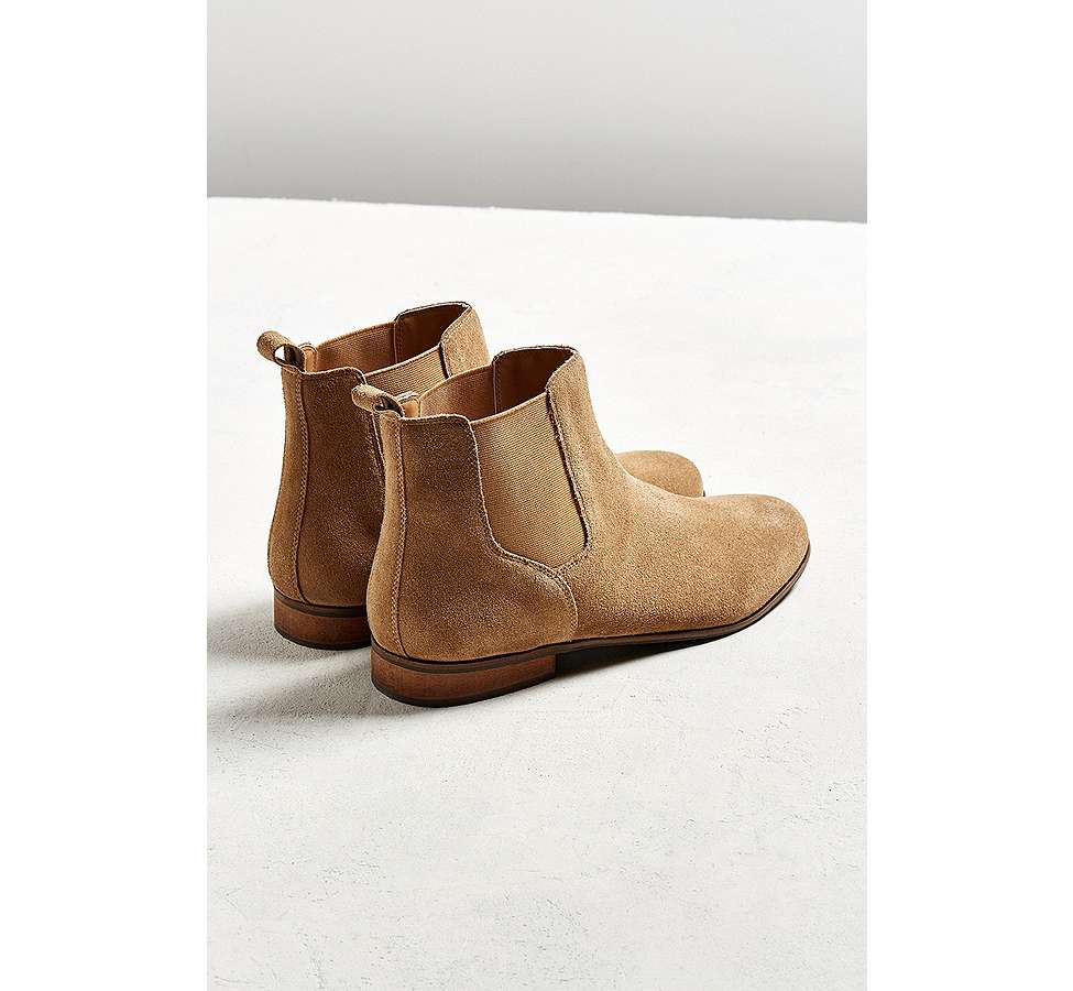 Slide View: 6: UO - Bottines Chelsea en daim marron clair