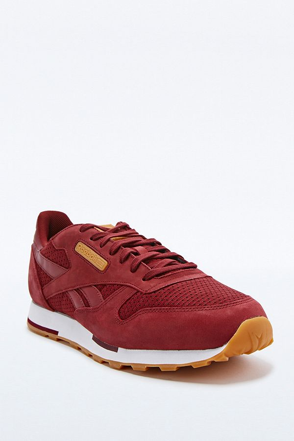 Slide View  5  Reebok Classic Leather Utility Woven Trainers in Burgundy 833906194