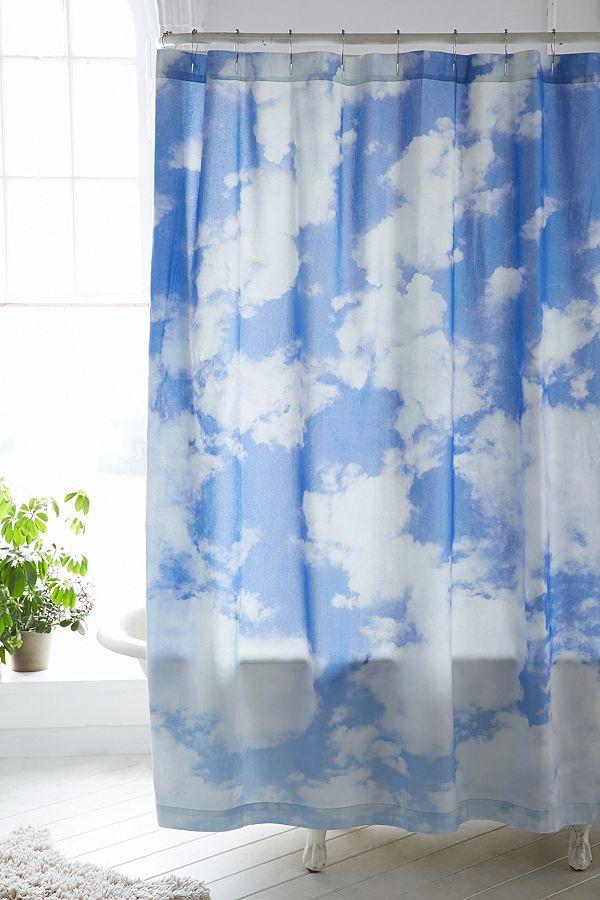 Duschvorhang mit Wolken | Urban Outfitters DE