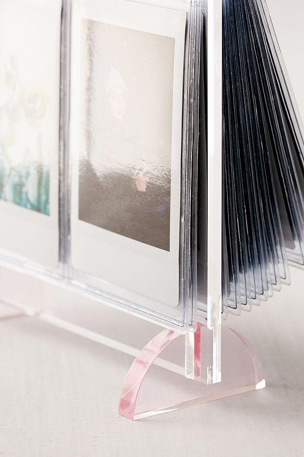 Acryl-Bilderrahmen für Mini-Instax-Fotos | Urban Outfitters