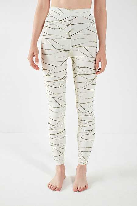 "Slide View: 2: Out From Under – Leggings ""All Wrapped Up"" mit Print"