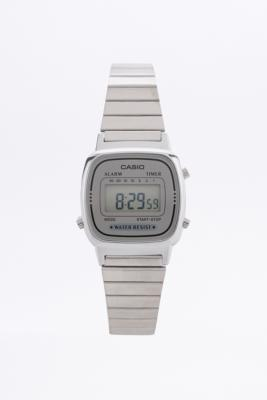 Casio - Petite montre à affichage numérique argentée - Femme A4242