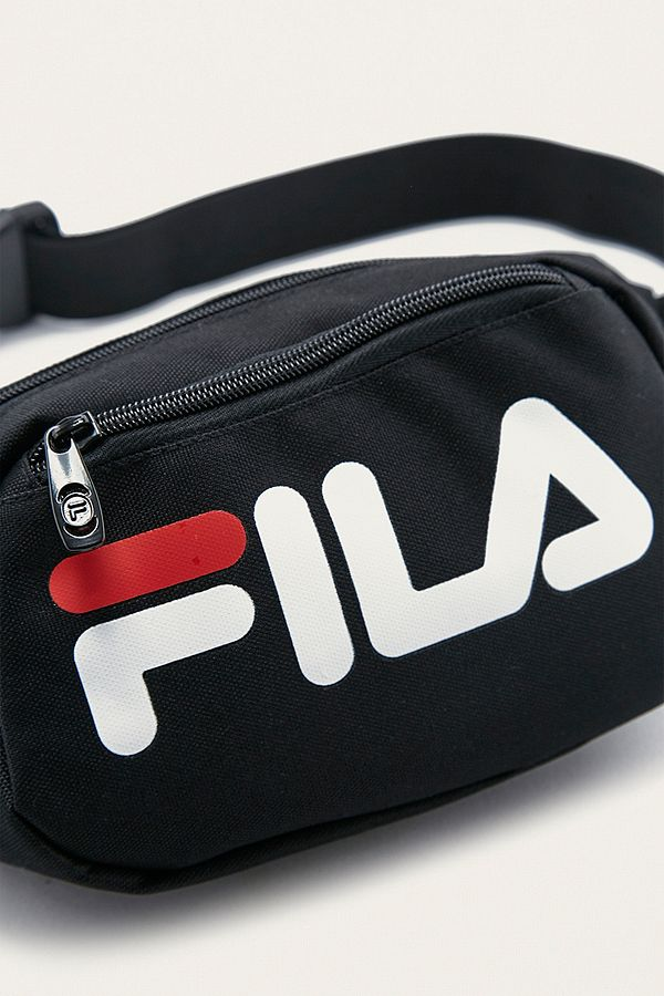 fila sac banane adams urban outfitters. Black Bedroom Furniture Sets. Home Design Ideas